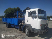 camião Nissan N130