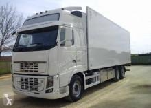 грузовик холодильник Volvo