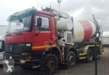 Bekijk foto's Vrachtwagen Mercedes