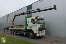 vrachtwagen platte bak boorden Volvo
