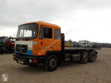 camion MAN 24.232 (MANUAL PUMP / CYLINDER / 6X2)