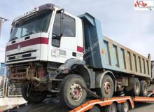 Iveco MP410E42H truck