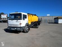 camion betoniera Nissan