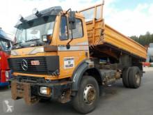 camion tri-benne Mercedes