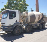 camion betoniera cu rotor/ Malaxor Renault