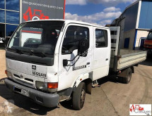 furgoneta caja abierta Nissan