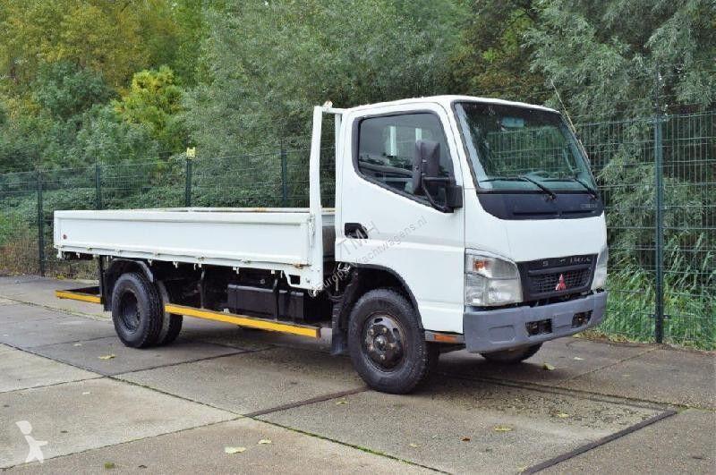 Voir les photos Camion Mitsubishi Canter