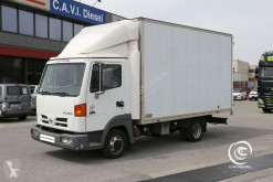 ciężarówka furgon Nissan