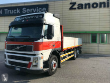camion platformă si obloane Volvo