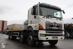 camion pentru transport autovehicule Hino