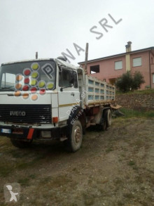 camion Iveco 330 30