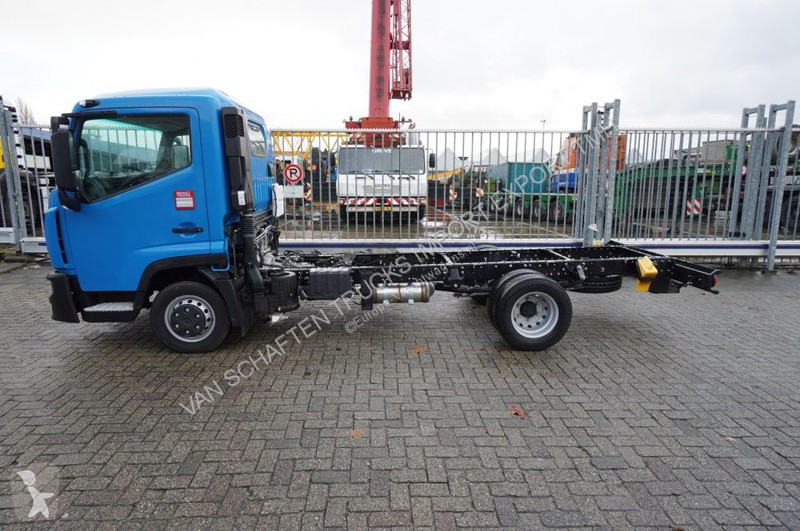 Voir les photos Camion Renault NEW D 3.5 CHASSIS MANUAL GEARBOX 10KM