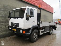 vrachtwagen MAN L26