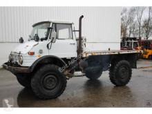 camion Unimog Mercedes-Benz 416