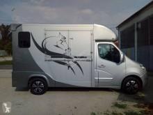 kamion vůz na dopravu koní nový