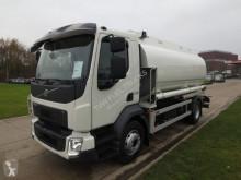 Volvo REF-537 truck