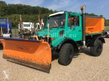 camion Unimog U 1200 427/10 Winterdienst, Streuer + Schneepfl