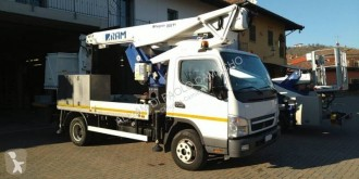 camion nacelle Mitsubishi