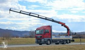 camion platformă MAN