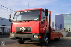 camion vehicul de tractare MAN