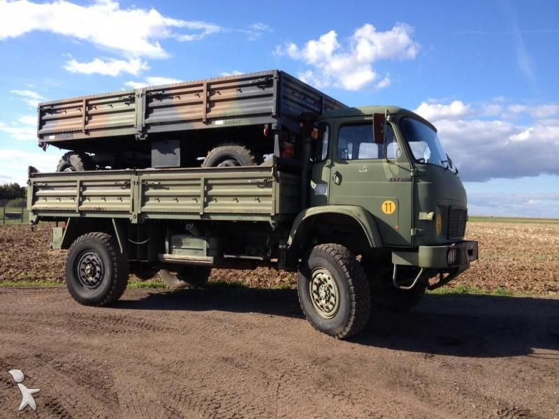 used renault trm flatbed truck 4000 4x4 diesel n 619995. Black Bedroom Furniture Sets. Home Design Ideas