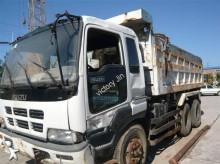 camião basculante para rochas Isuzu