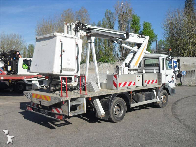 Camion renault piattaforma aerea articolata telescopica for Garage martel grigny