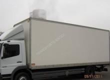 camion Mercedes fourgon polyfond Atego 1218 4x2 Gazoil Euro 4 hayon occasion - n°1329461 - Photo 2