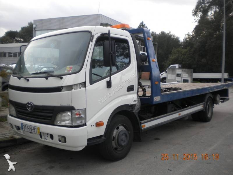 Camion toyota d pannage dyna 75 42 4x2 gazoil euro 4 for Pronto a spostare le cabine alberta
