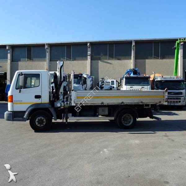 Camion nissan ribaltabile trilaterale atleon 120 4x2 for Effretti usato