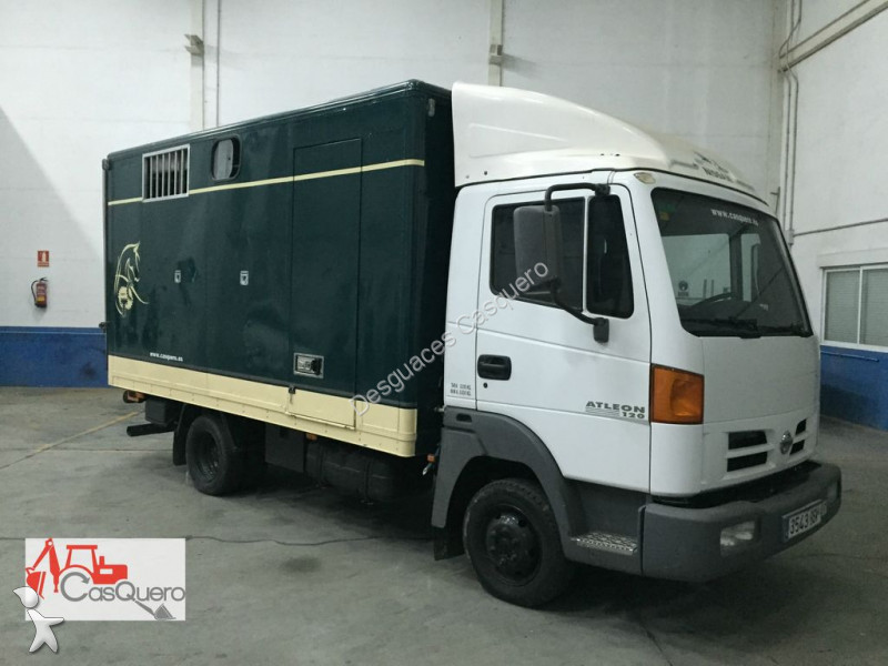 camion nissan trasporto bestiame atleon 120 usato n 1720168. Black Bedroom Furniture Sets. Home Design Ideas