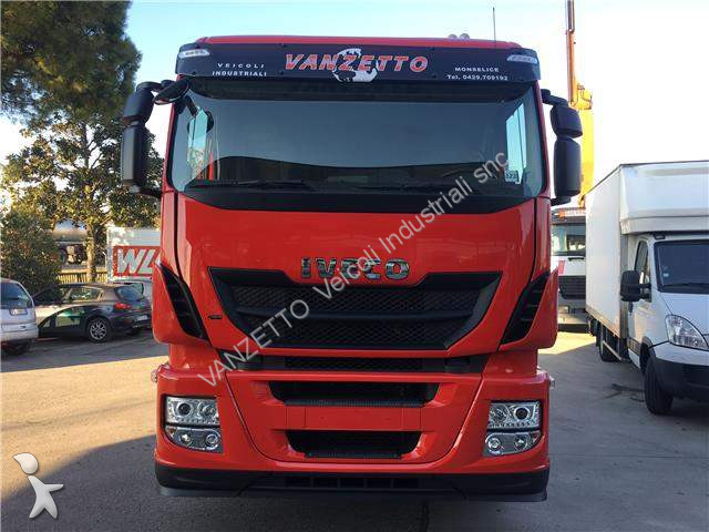 camion iveco euro 5 occasion n 2410689. Black Bedroom Furniture Sets. Home Design Ideas