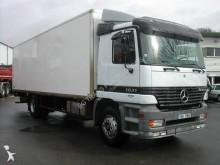 camion Mercedes fourgon Actros 1831 4x2 Euro 2 hayon occasion - n°2522472 - Photo 2