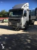 camión Volvo volquete FM7 250 4x2 Euro 2 usado - n°2920639 - Foto 2
