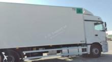 camion Mercedes frigo Thermoking Axor 2536 6x2 Euro 5 hayon occasion - n°3099982 - Photo 2