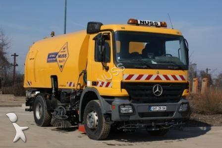 camion balayeuse mercedes actros 1841 4x2 gazoil euro 3. Black Bedroom Furniture Sets. Home Design Ideas