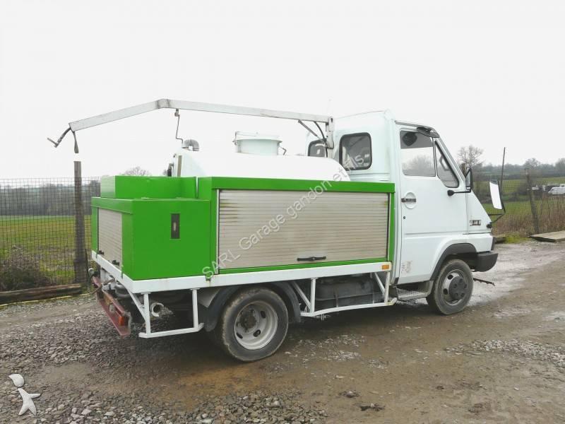 camion laveuse renault gamme b 110 4x2 gazoil euro 1. Black Bedroom Furniture Sets. Home Design Ideas