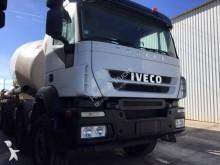 camion Iveco béton Eurotrakker 410 8x4 Gazoil Euro 5 occasion - n°2992560 - Photo 3