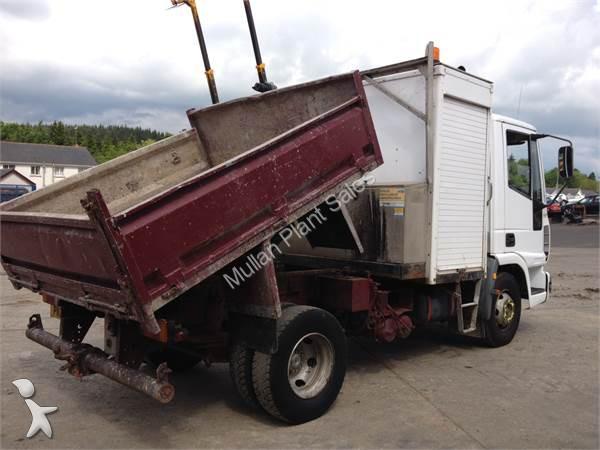 camion iveco benne eurocargo 7 5 ton tipper occasion n 1180045. Black Bedroom Furniture Sets. Home Design Ideas