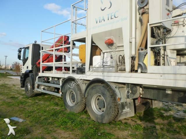 camion plateau standard occasion iveco trakker 360 gazoil