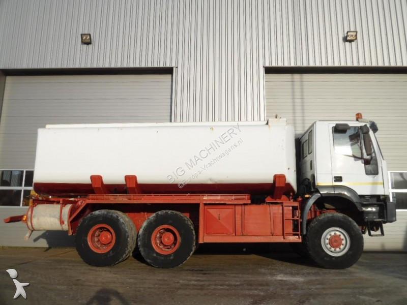 camion iveco citerne trakker 6x6 occasion n 2230287. Black Bedroom Furniture Sets. Home Design Ideas