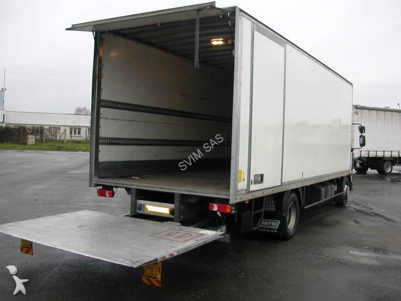 location camion hayon vhicule de dmnagement industriel avec hayon ncessite le permis poidslourd. Black Bedroom Furniture Sets. Home Design Ideas