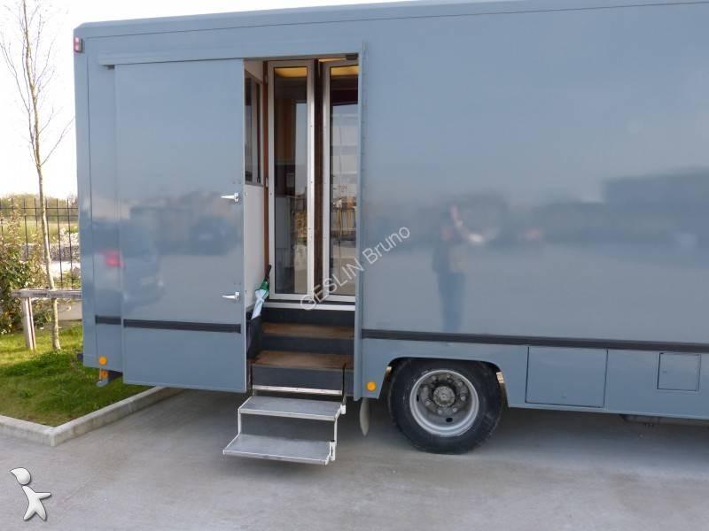 camion magasin utilitaire autos weblog. Black Bedroom Furniture Sets. Home Design Ideas