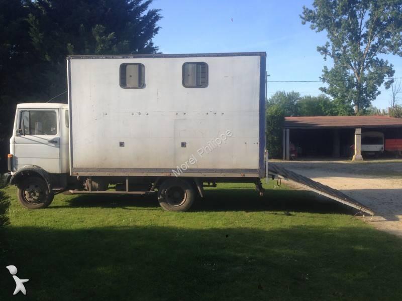 camion mercedes van chevaux 709 4x2 gazoil occasion n 1786018. Black Bedroom Furniture Sets. Home Design Ideas