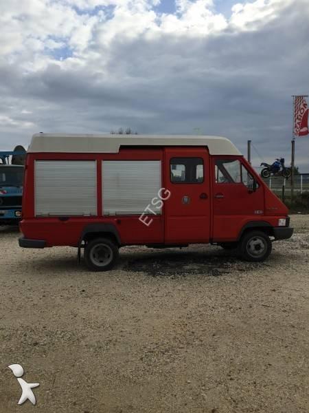camion renault fourgon pompe tonne secours routier gamme b 4x2 gazoil euro 0 occasion n 1836320. Black Bedroom Furniture Sets. Home Design Ideas