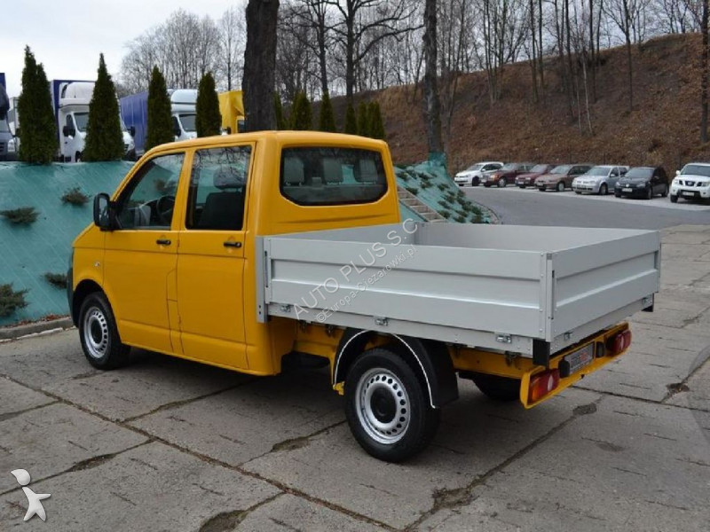 camion volkswagen benne volkswagen transporter t5 skrzynia doka 6 miejsc 2387 occasion n. Black Bedroom Furniture Sets. Home Design Ideas