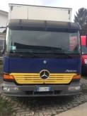 camión remolque furgón Mercedes