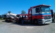 camión remolque portacoches Mercedes