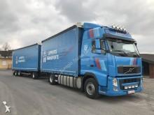 autotreno cassone centinato alla francese Volvo