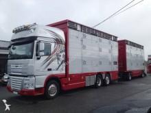 camión remolque para ganado usado